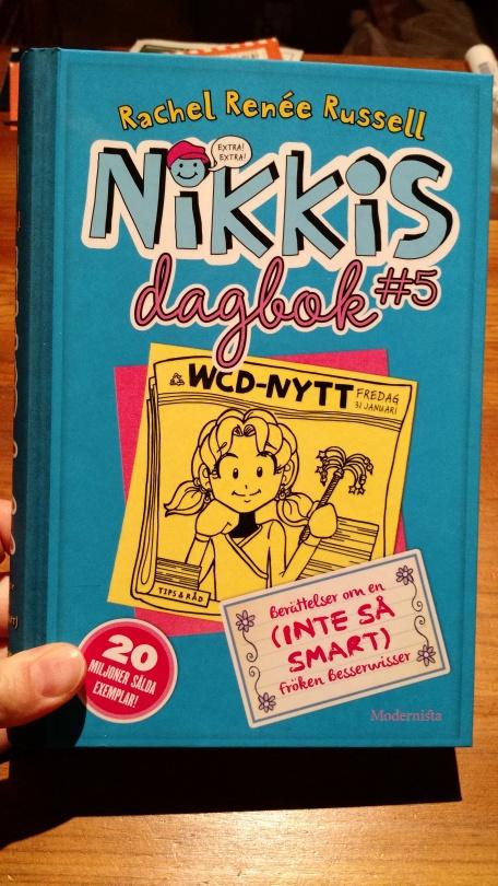 Nikkis dagbok #5 - Berättelser om en (inte så smart) fröken Besserwisser