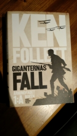 Giganternas fall (Århundradet-trilogin, #1)